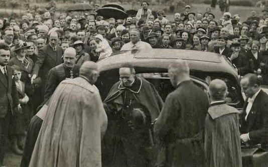 Arrivée du cardinal Pacelli à Lisieux en 1937