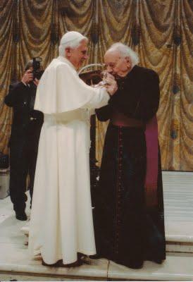 Notre Saint-Père le Pape Benoît XVI et Monseigneur Domenico Bartolucci
