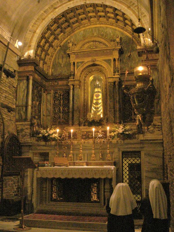 Intérieur de la Sainte Maison de Lorette
