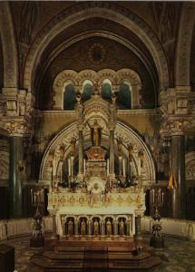 Maître-autel-avant-réforme-liturgique-Copie-215x300 Athanasius Schneider dans Lectures & relectures