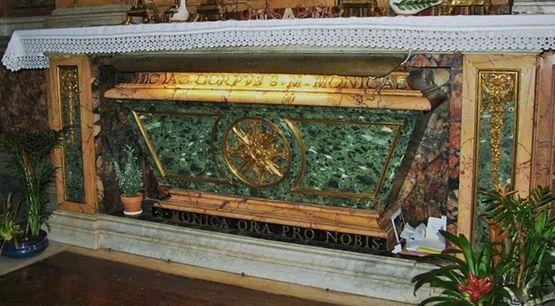 S. Agostino Roma - Urna di S.Monica