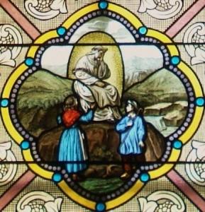 Vitrail de l'apparition de Notre-Dame de La Salette
