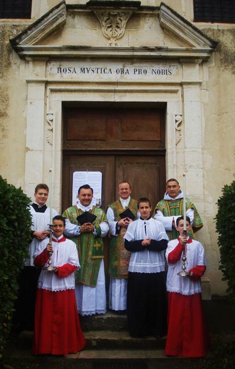 celebrants-et-servants-25-nov-2012-nd-de-la-rose 25 novembre 2012 dans Commentaires d'actualité & humeurs