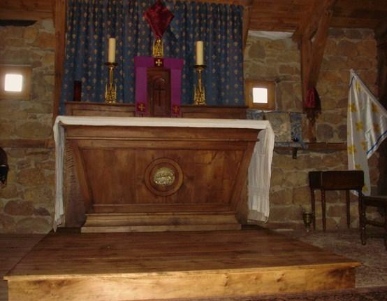 autel-de-loratoire-avec-son-marchepied chronique dans De Maria numquam satis