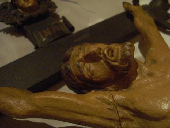 saint-crucifix-detail bienfaiteurs