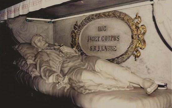 Gisant St Benoît-Joseph Labre à Ste Marie des Monts