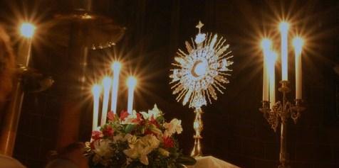exposition-saint-sacrement Coeur de Jésus dans Prier avec nous
