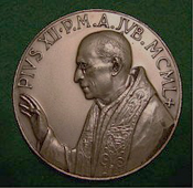 s.s.-pie-xii-medaille-commemorative-annee-sainte-1950 1er novembre 1950 dans De Maria numquam satis