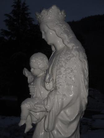 Statue terrasse Mesnil-Marie