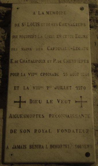 Aigues-Mortes plaque à l'entrée de l'église ND des Sablons