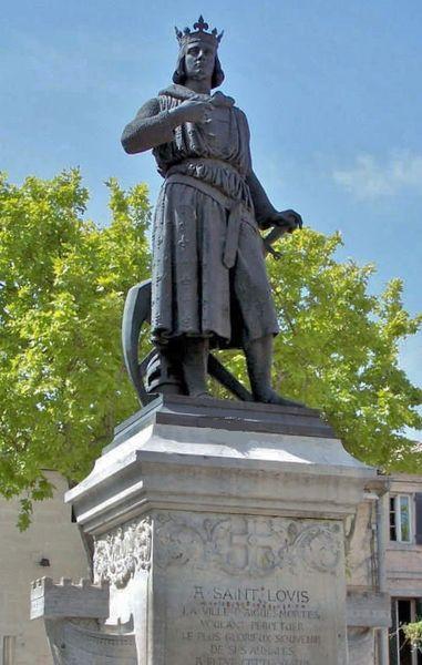 Aigues-Mortes statue de Saint Louis