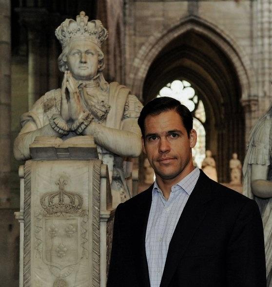 Monseigneur le Prince Louis à Saint-Denys devant le monument de Louis XVI