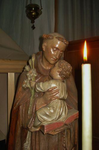 Statue de St Antoine de Padoue au Mesnil-Marie