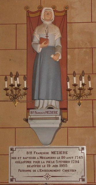 Statue de la Bse Françoise Mézières - église de Mézangers