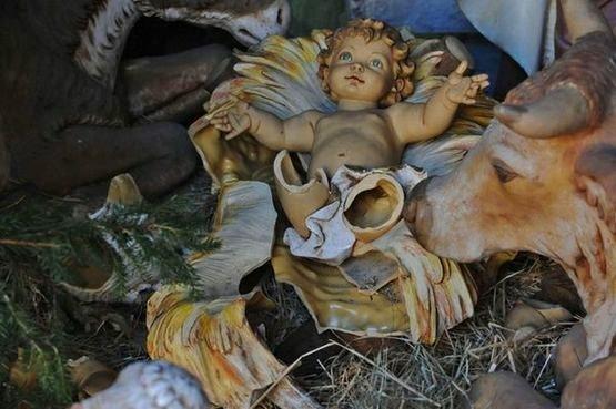Enfant Jésus vandalisé
