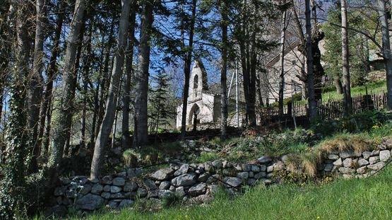 Burzet - le Villard et sa chapelle