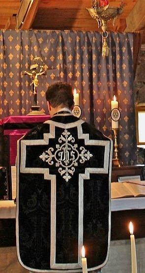 3-Pendant la Sainte Messe