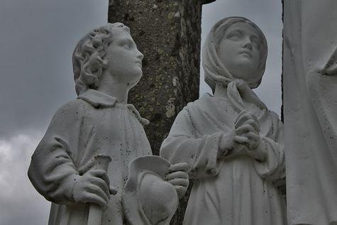 Montusclat - la Croix de l'étoile, groupe de la conversation détail