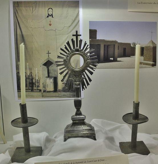 Viviers séminaire expo Foucauld ostensoir
