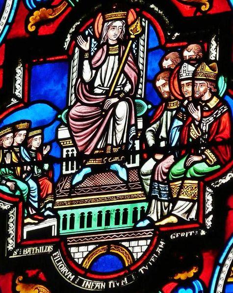 Sainte Bathilde sur un vitrail de l'église Ste Radegonde à Poitiers