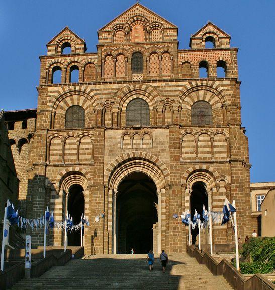 Façade de la cathédrale Notre-Dame de l'Annonciation