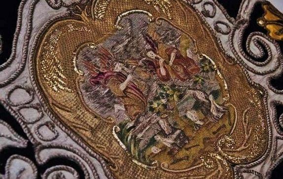 Détail du drap funèbre de Louis XIV