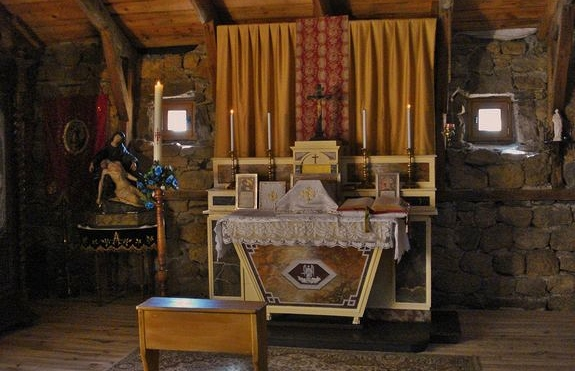 24 mai 2011 - 1ère messe célébrée au Mesnil-Marie
