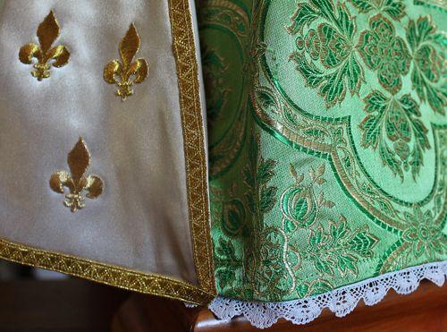 Enfant Jésus de Prague robe verte 4