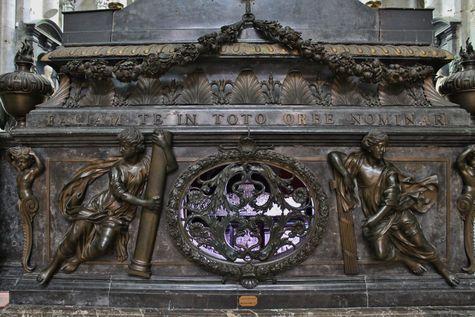 arrière du maître-autel