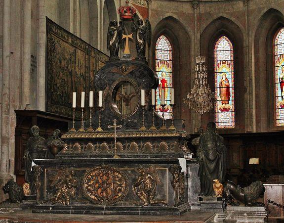 Maître-autel de l'abbatiale Saint-Antoine