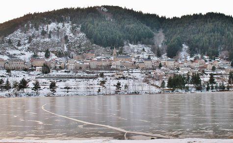 1 - Lac de St-Martial totalement pris par la glace