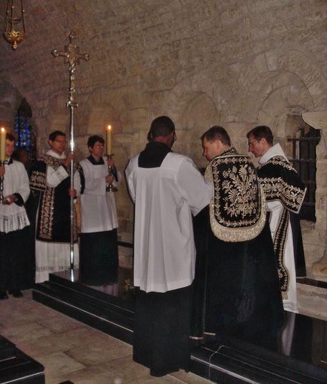 21 janvier 2017 à Saint-Denys - absoute sur la tombe de Louis XVI