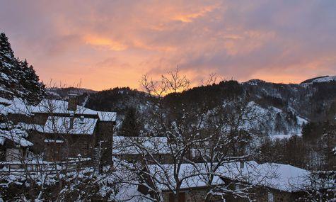 3 - Le haneau sous la neige au lever du soleil