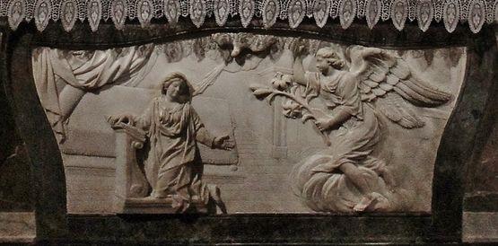 Annonciation - bas relief du maître-autel de la cathédrale du Puy