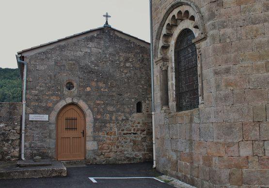Chapelle des Saints Os au chevet de l'église de Macheville à Lamastre