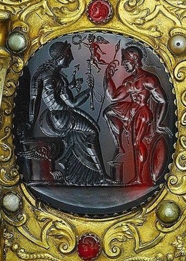 Camée antique sur la châsse des Saints Rois