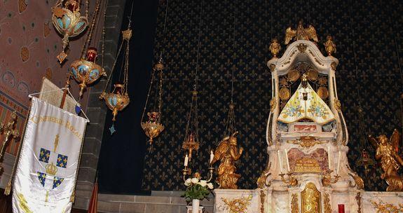 Bannière de la Confrérie Royale auprès de Notre-Dame du Puy