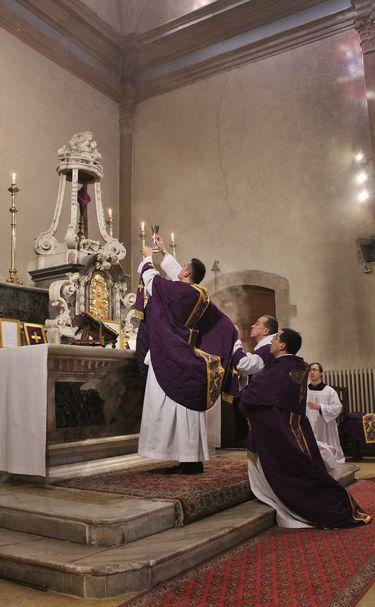 16 élévation mardi saint