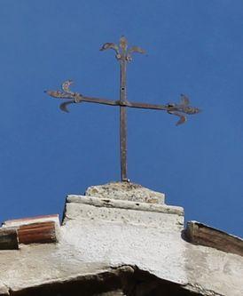 chapelle Sainte-Roseline croix du pignon occidental