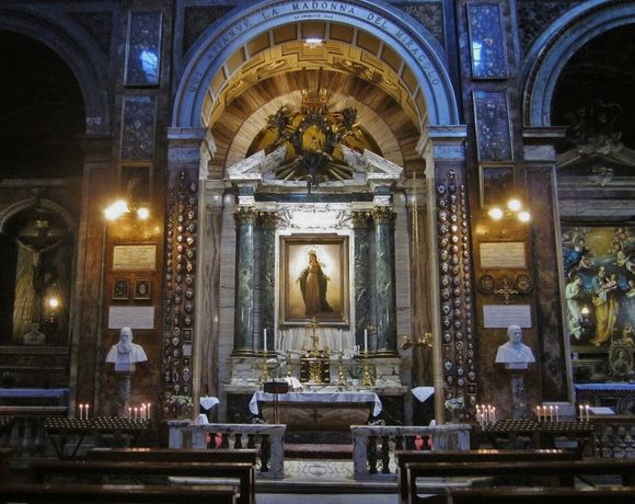 Sant' Andrea delle fratte - autel du miracle et de la 1ère messe