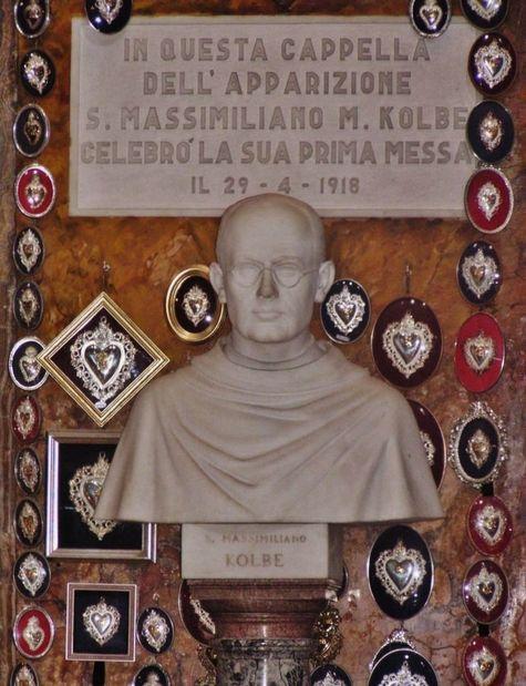 Sant' Andrea delle Fratte - monument commémoratif de la 1ère messe de St Maximilien-Marie