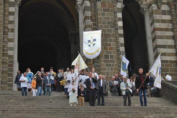 Sortie de la cathédrale samedi 12 mai 2018