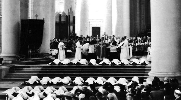 ordinations sacerdotales Arras 1955