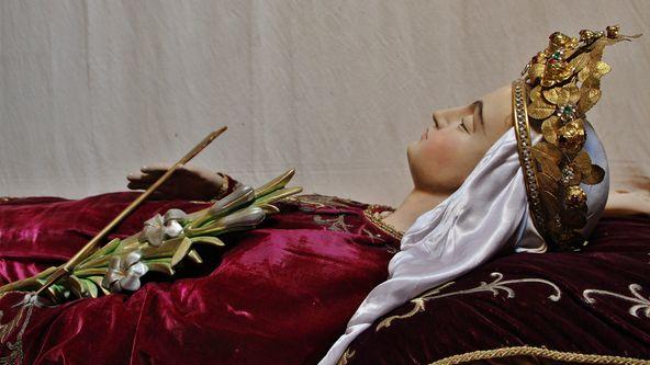 Gisant de Sainte Philomène au Mesnil-Marie - détail