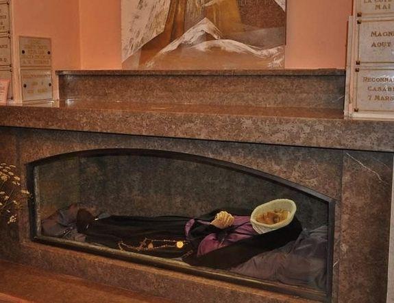 autel de Sainte Thérèse Couderc dépouillé