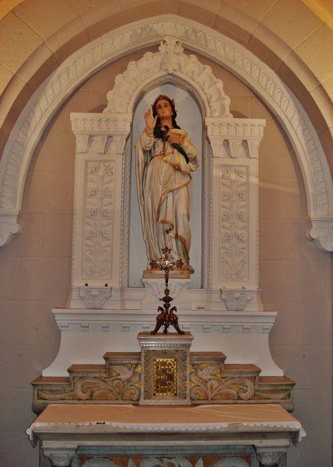 Autel de Sainte Agathe dans la basilique de La Louvesc