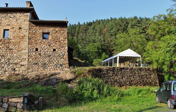 Tente de réception sur la terrasse Saint-Charlemagne