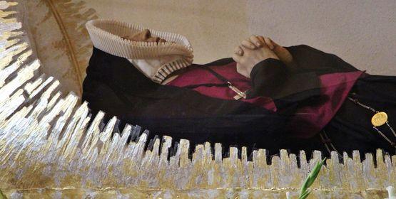 Détail de la présentation du corps de Sainte Thérèse Couderc