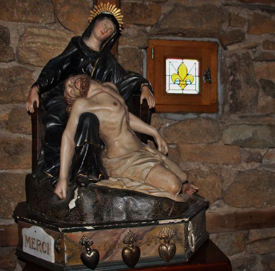 Pieta - oratoire du Mesnil-Marie