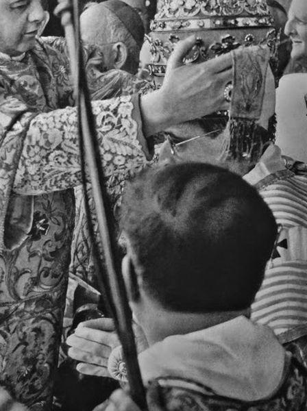 Couronnement de Pie XII - réception de la tiare